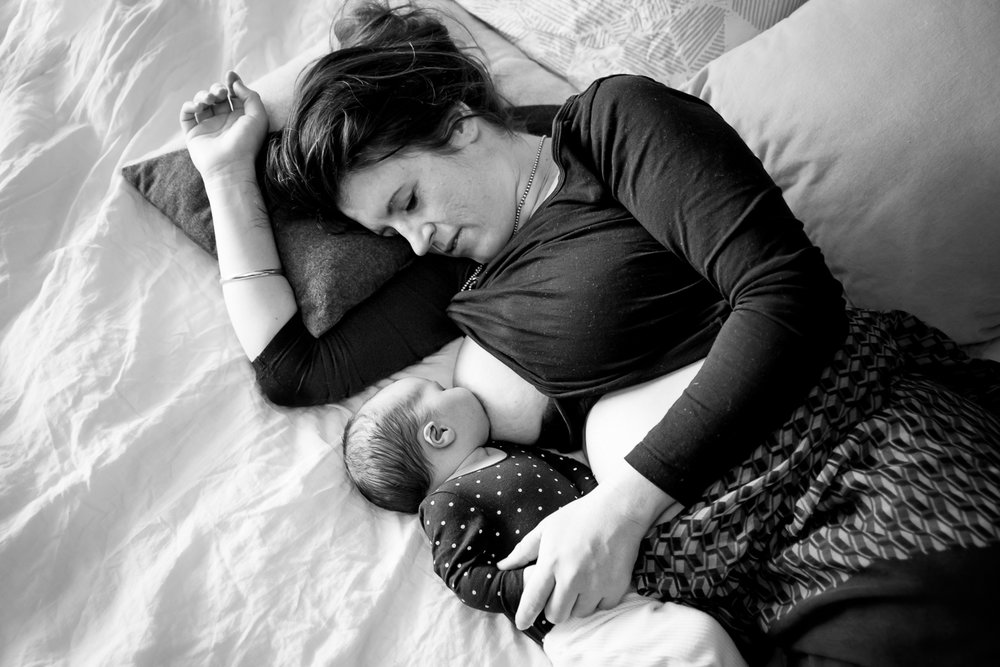 Newborn-bonding-breastfeeding-photography-Perth.jpg