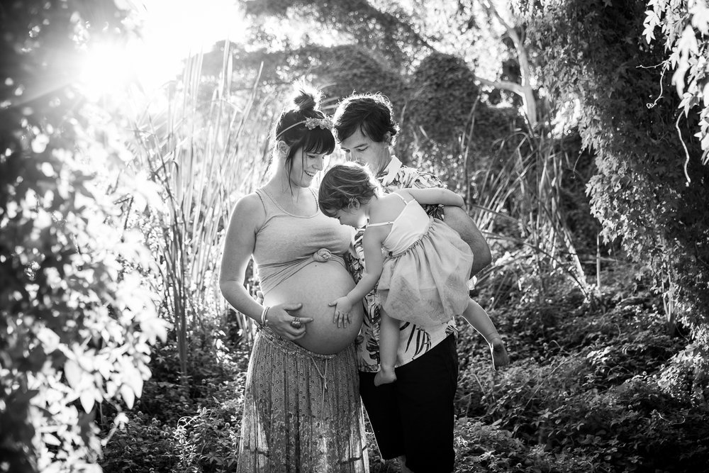 Maternity-and-Birth-Photographers-Perth_Maternity-Photography-Secret-Garden