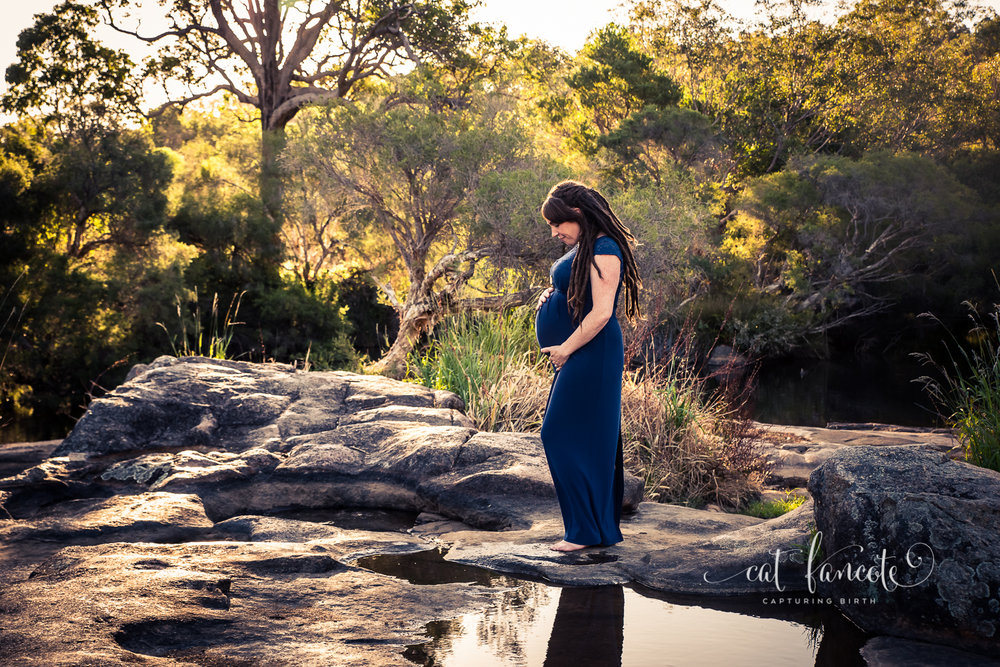 Relaxed-Maternity-Session-in-Perth-Hills_Perth-Birth-Maternity-Photographer1.jpg