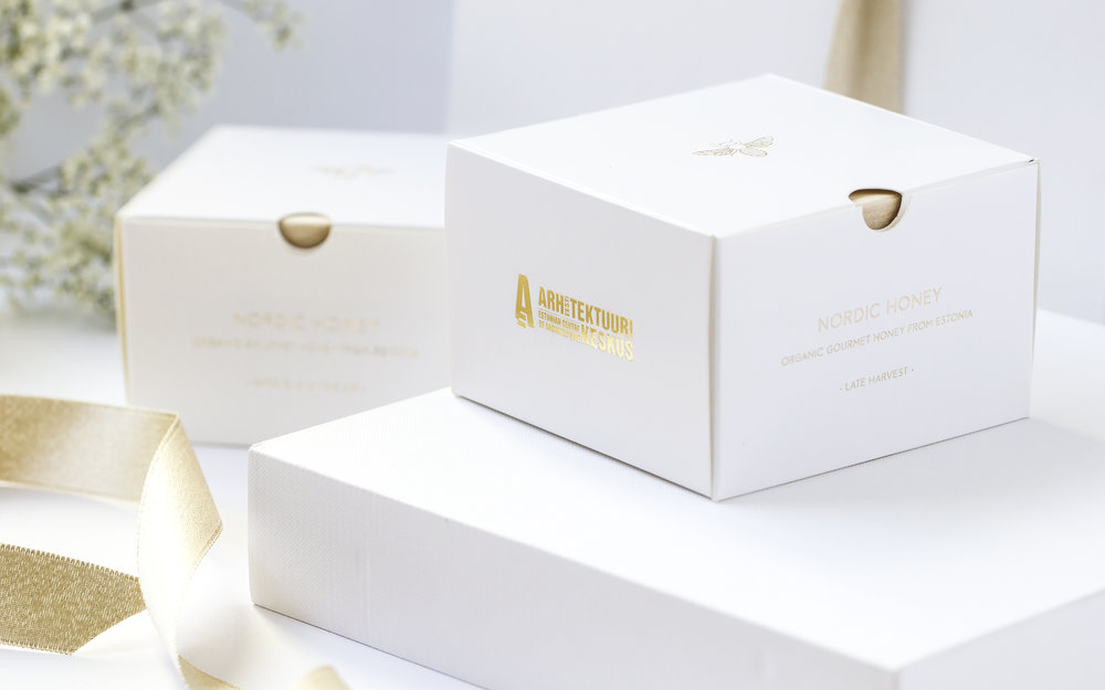 Nordic+Honey_Gift+Box_Packaging+Design.jpg