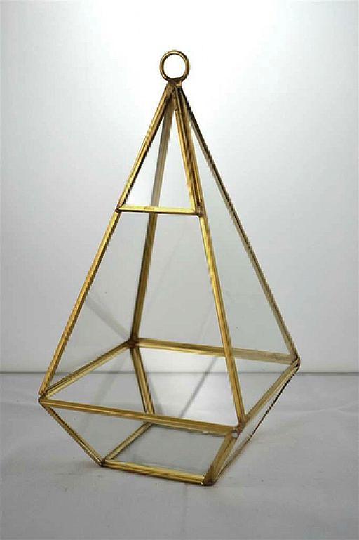 tall-prism-terrarium-512px-960px.jpg