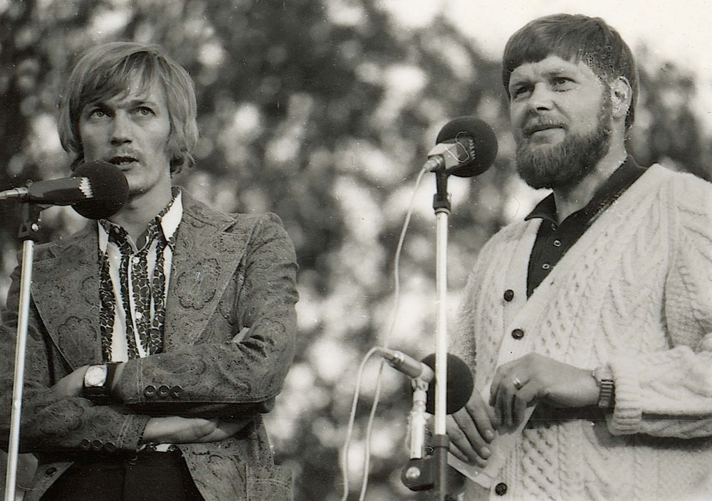 1971 01 Hansi o Frosse på scen.jpg