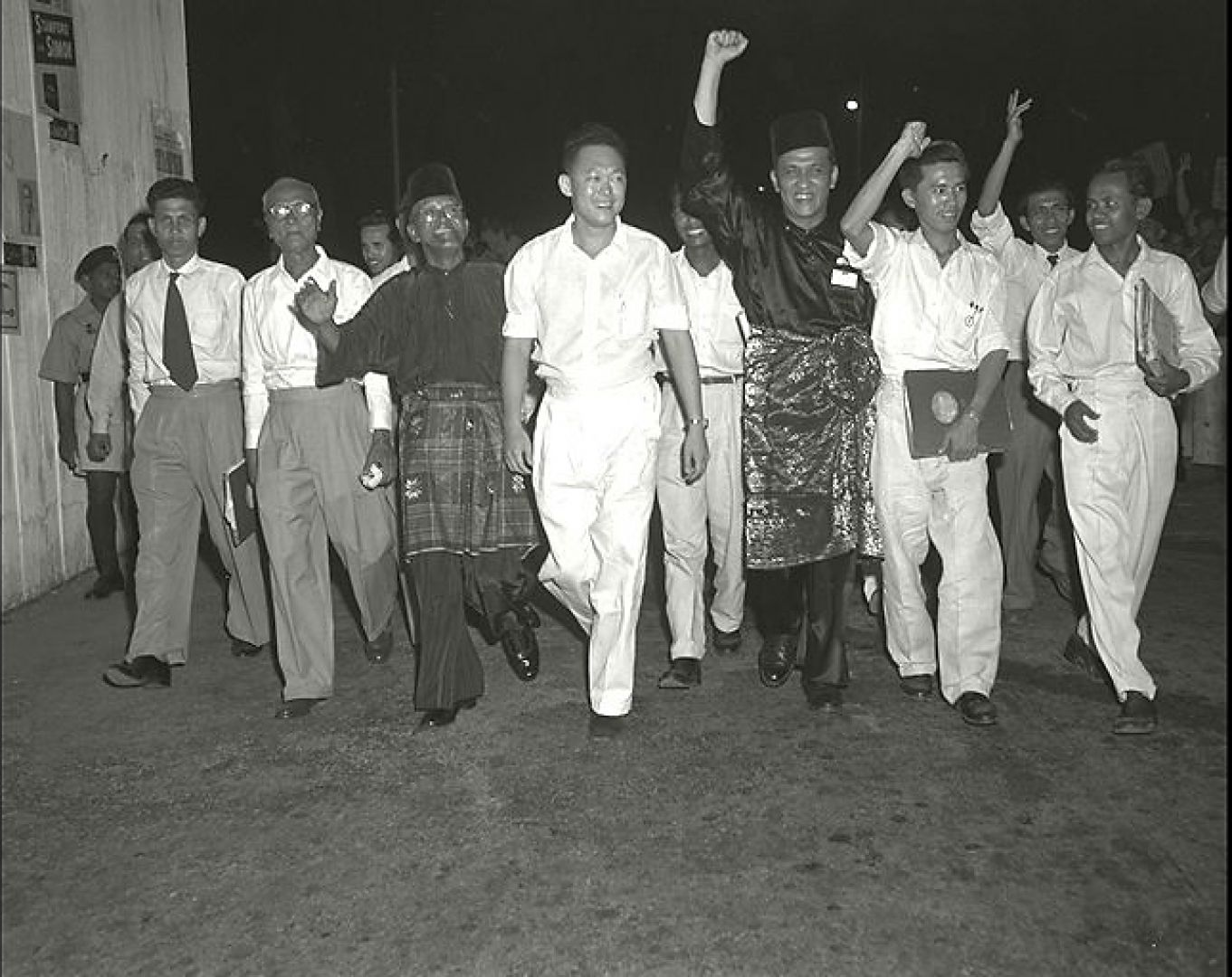 Then Secretary-General of People's Action Party Lee Kuan Yew (centre) with party members on polling day in 1955. PHOTO: MINISTRY OF INFORMATION AND THE ARTS COLLECTION, COURTESY OF NATIONAL ARCHIVES OF SINGAPORE