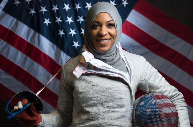 Ibtihaj Muhammad poses for a portrait at the 2016 team photo. (AFP/File). Source:  albawaba.com