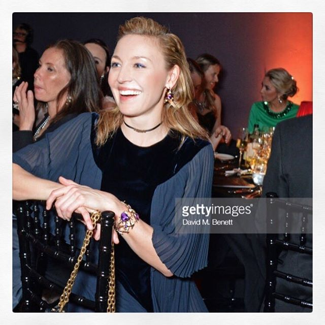 Love this super happy photo of Juliet at The Old Vic!  Dress and bag by @dior jewellery by @sarettajewellery and styling by @chloebeeneystyling #julietrylance #ov200 #redcarpet #redcarpetjewellery #charity #theatre #oldvic #statementjewelry #diamondcuff #bespokejewellery #handmadejewellery #sarettajewellery #saretta