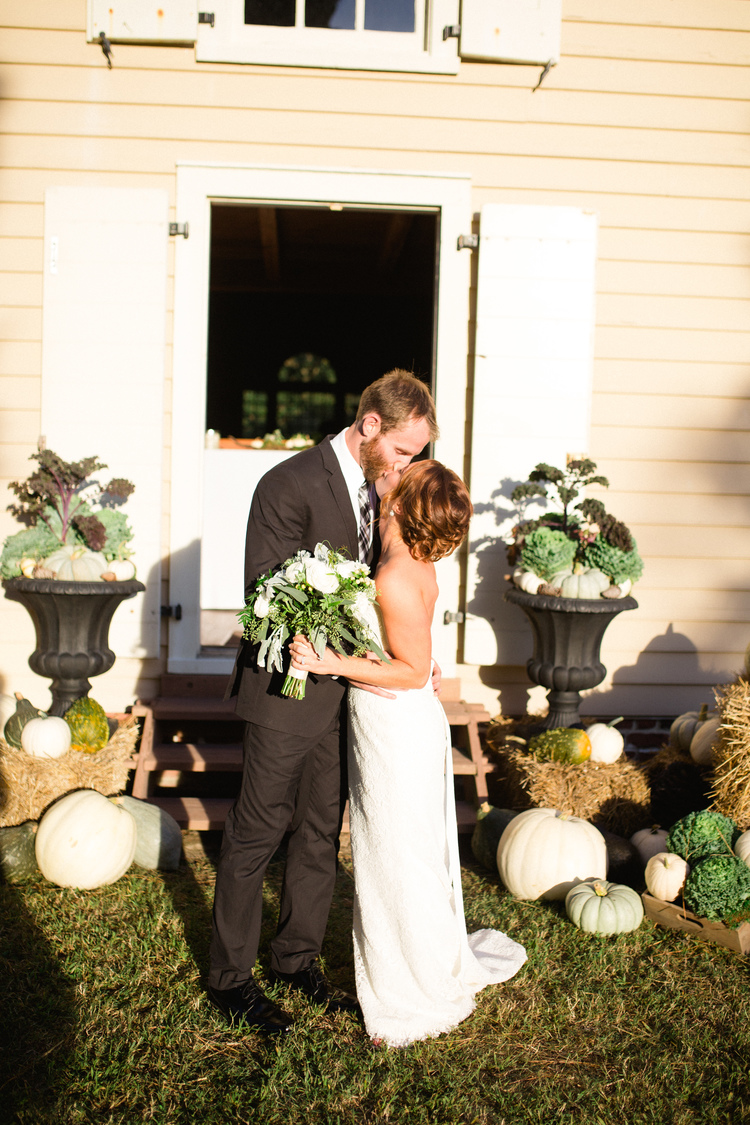 Fall+wedding+decor,+Pumpkin+Wedding,+Delaware+Bride.jpg