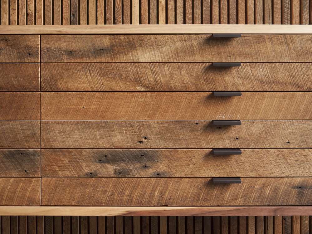 credenza-detail-at-lv-wood