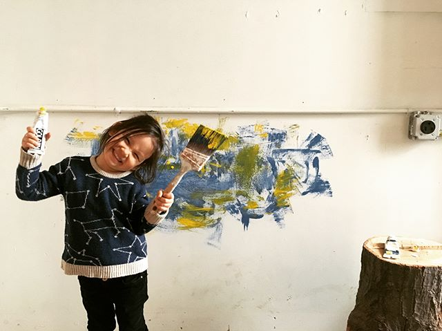 Mural painting, spackle, junkyards, and woodshop hijinks for Lena's spring break.  We converted the office to a ceramics studio for @brooklynchickenwing