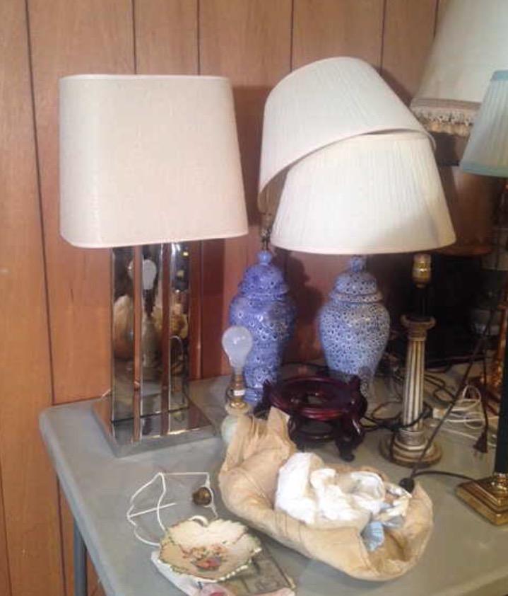 Estate-sale-vintage-blue-ginger-jar-lamps.jpg