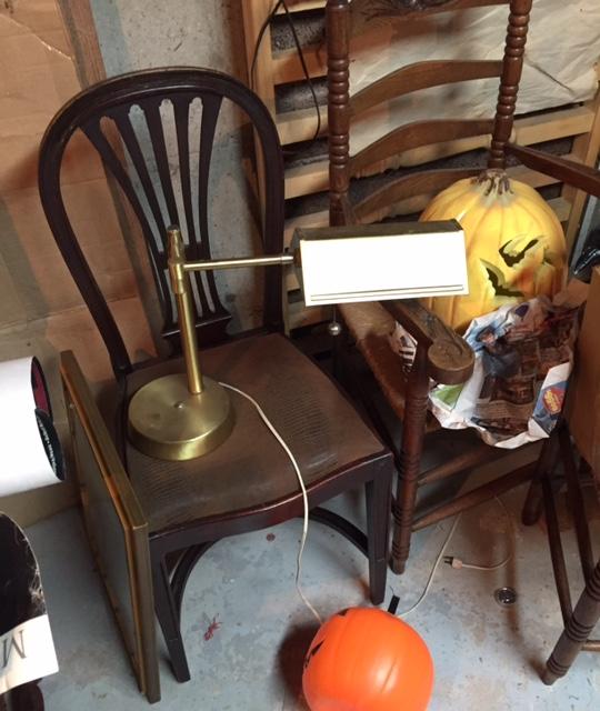 Estate-sale-vintage-desk-lamp.jpg