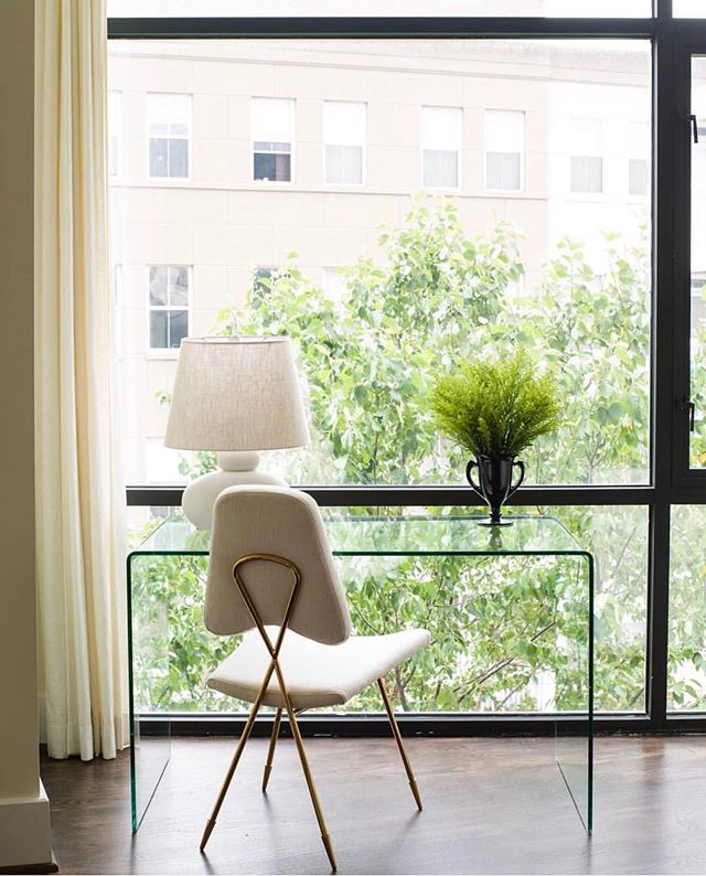 Love the simplicity of this space by @laurenliess 📷: @helennorman #regram