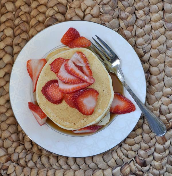 Lemon-Ricotta-Pancakes_4.jpg