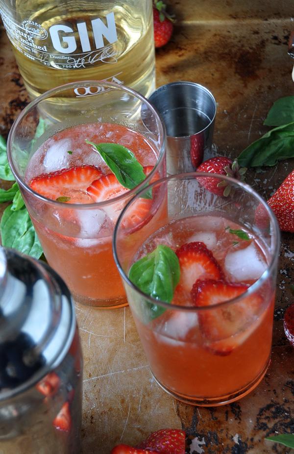 Strawberry_Basil_Gin_Fizz_2.jpg