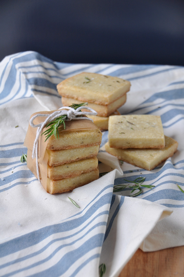 Olive-Oil-Rosemary-Shortbread-Cookies_5.jpg
