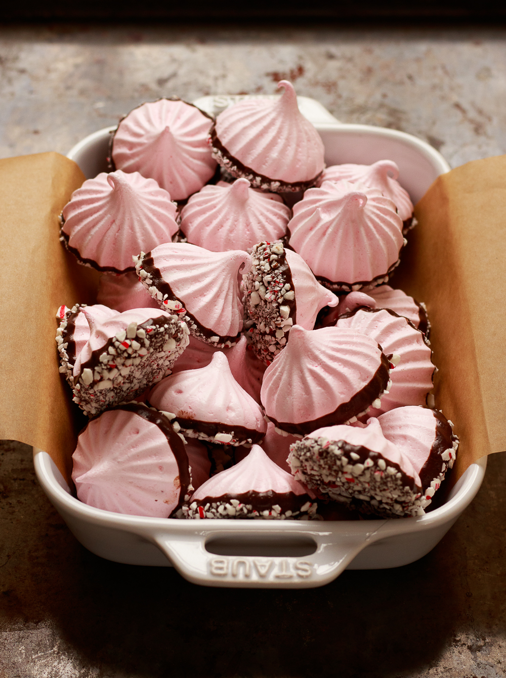 Peppermint meringue kisses (3 of 3).jpg