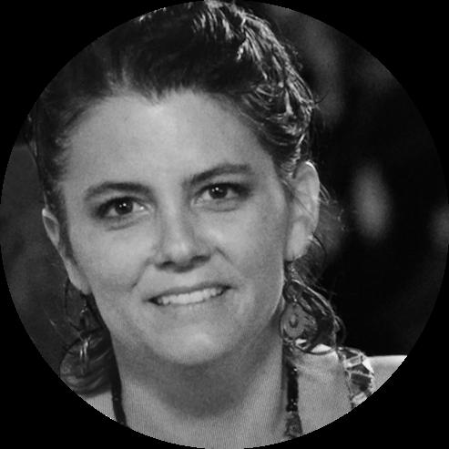Isabel Davalos- FOTO CIRCULO.png