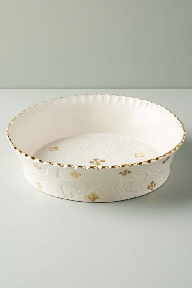 Anthropologie Pie Dish - This pie dish is absolutely beautiful and would make a perfect gift this season!