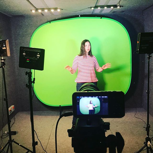 Having some fun recording for a new course! More info coming soon.... • • • #saturdayvibes #minimalism #konmari #konmarimethod #declutter #lessismore