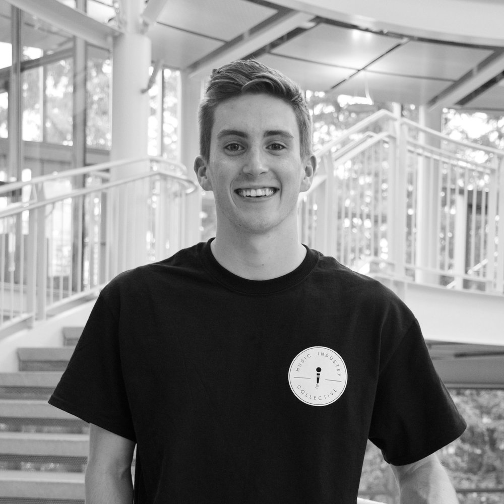 External Affairs- Sean Thomas Sean is a current senior at UO studying business with an emphasis in marketing and a minor in music technology.  He works at the marketing director and DJ for KWVA 88.1 and volunteers at WOW Hall.  This past summer Sean worked in London at Headliner-an entertainment company.  Sean has professional experience in social media, writing and marketing within the music industry.