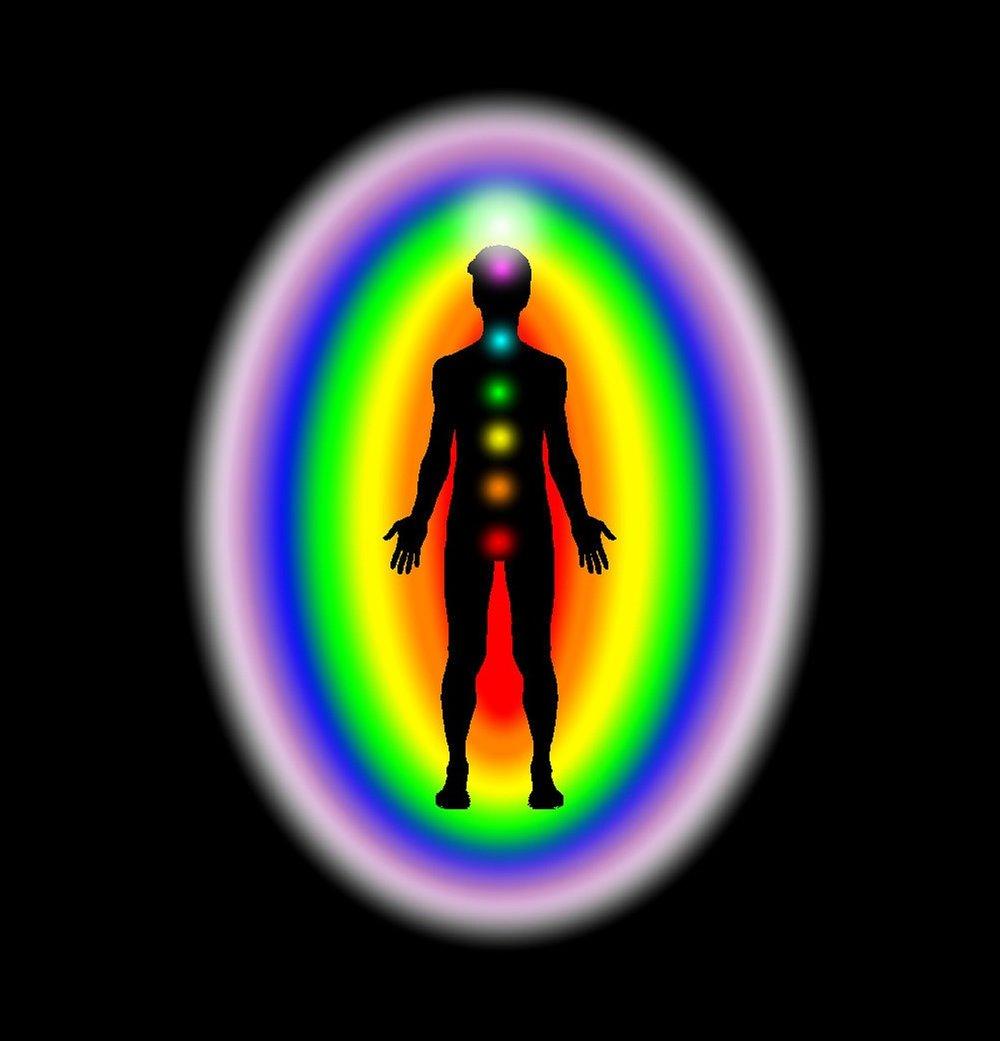 aura&chakras body_sciencefreak_pixabay.jpg