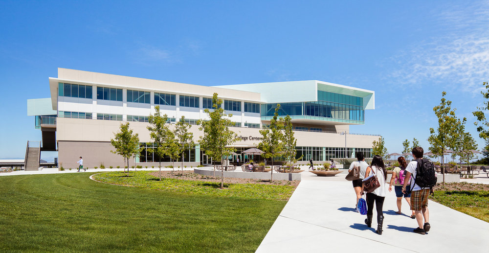 009 Eastbay University students Union.jpg