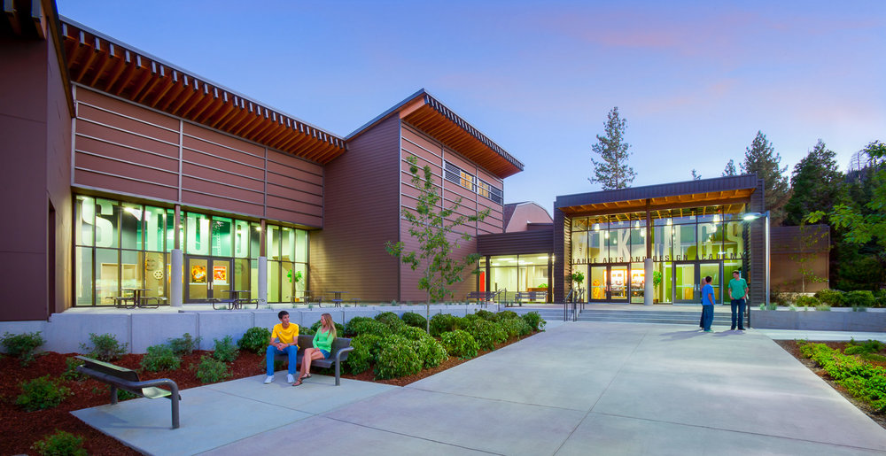 006 South Lake Tahoe High School.jpg