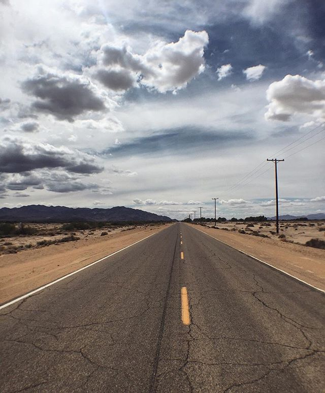 I wish I was here... #wanderlust #route66 #roadtrip #california #merica #thatskytho #throwback