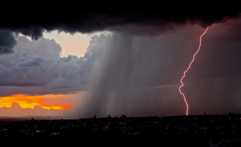lightning-801866_960_720.jpg