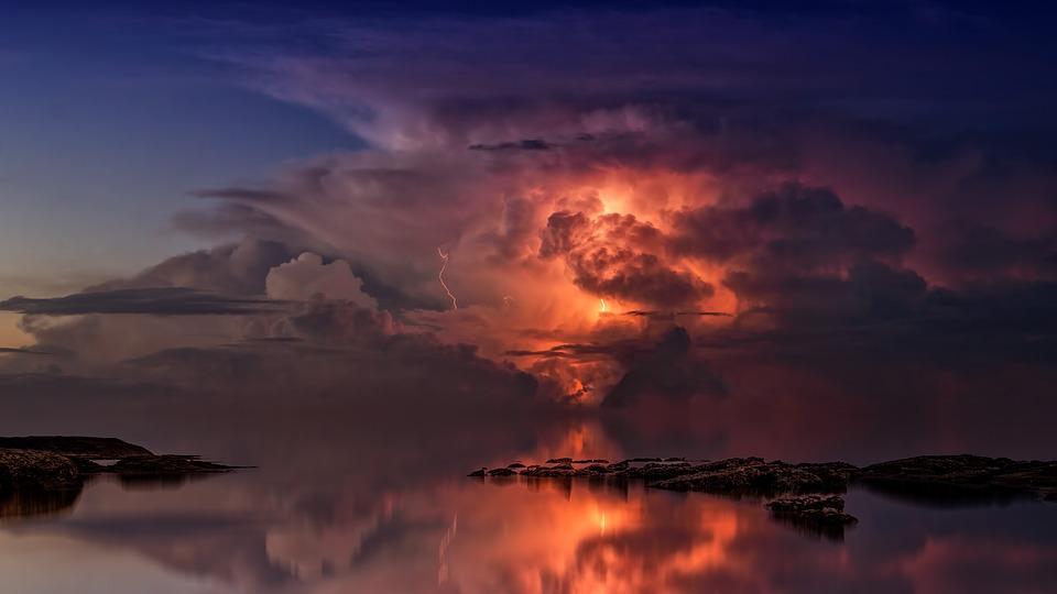 thunderstorm-3440450_960_720.jpg