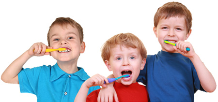 kids-clean-teeth