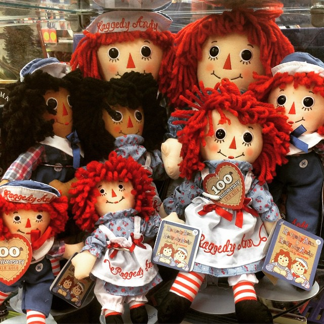 Raggedy Ann & Raggedy Andy the Doll that everyone loves and remembers #raggedyann #doll #toys #nola #neworleans #frenchquarter