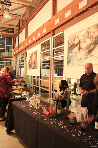 11.4.2013_An Evening to Honor SurvivorsReception and Art Silent Auction_7.jpg