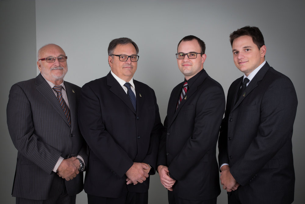 De gauche à droite : M.Guildo Deschênes, M.Sylvain Deschênes, M.Georges Deschênes et M.Frédéric Deschênes.