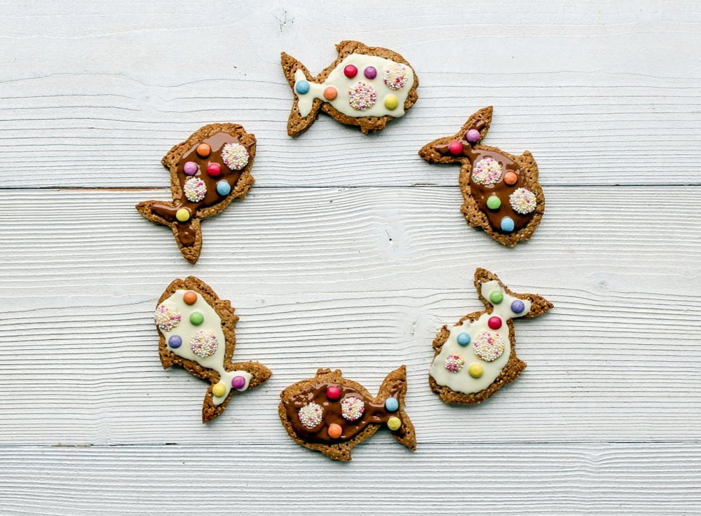 RAINBOW FISH DIGESTIVE BISCUIT RECIPE - STORYTIME CHEFS - THE ORGANIC COOKERY SCHOOL