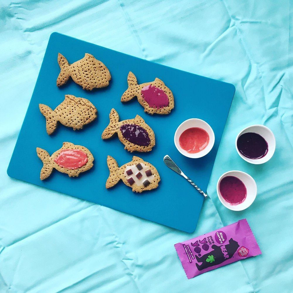 RAINBOW FISH DIGESTIVE BISCUITS - STORYTIME CHEFS - THE ORGANIC COOKERY SCHOOL 2