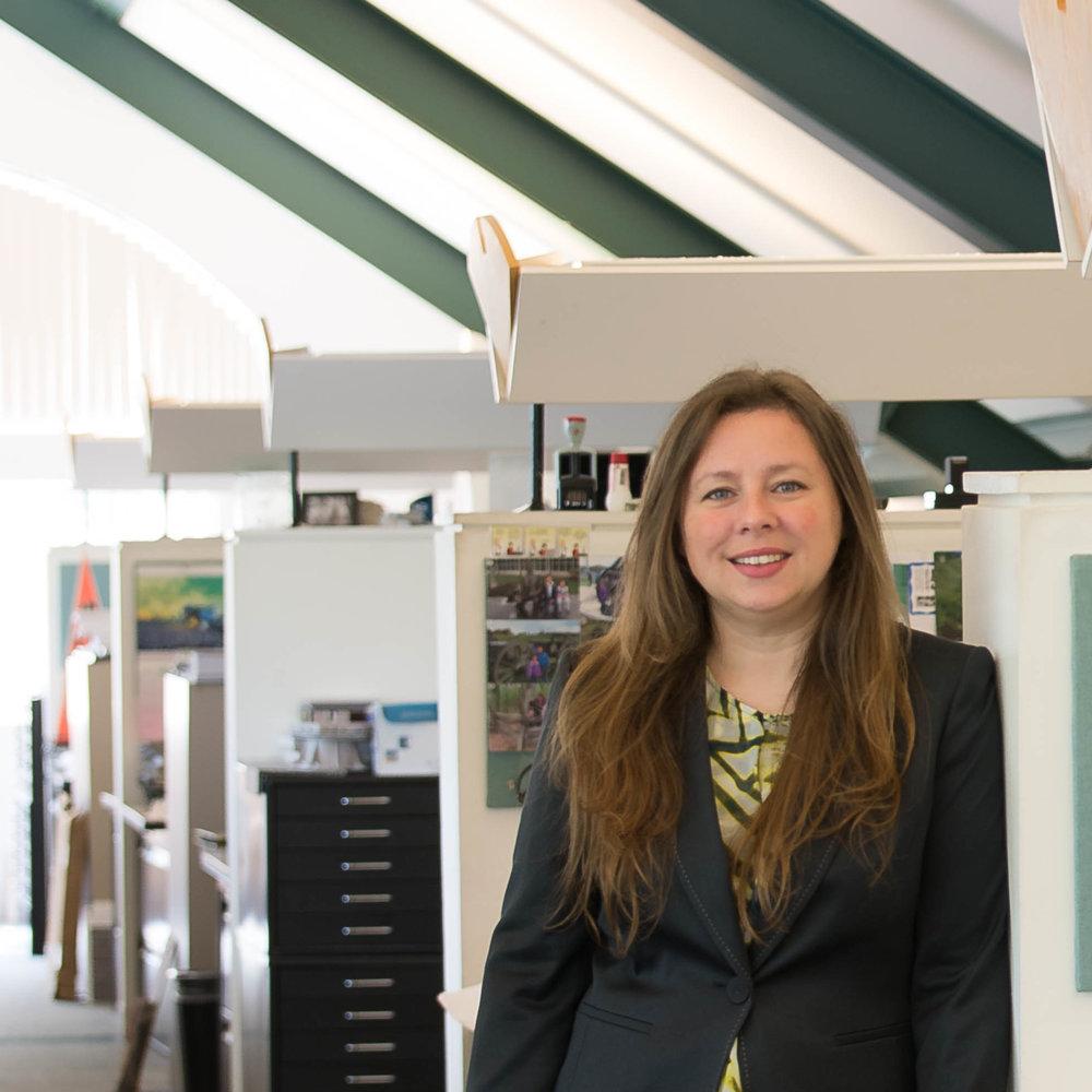 Nicole Walls | Marketing Manager