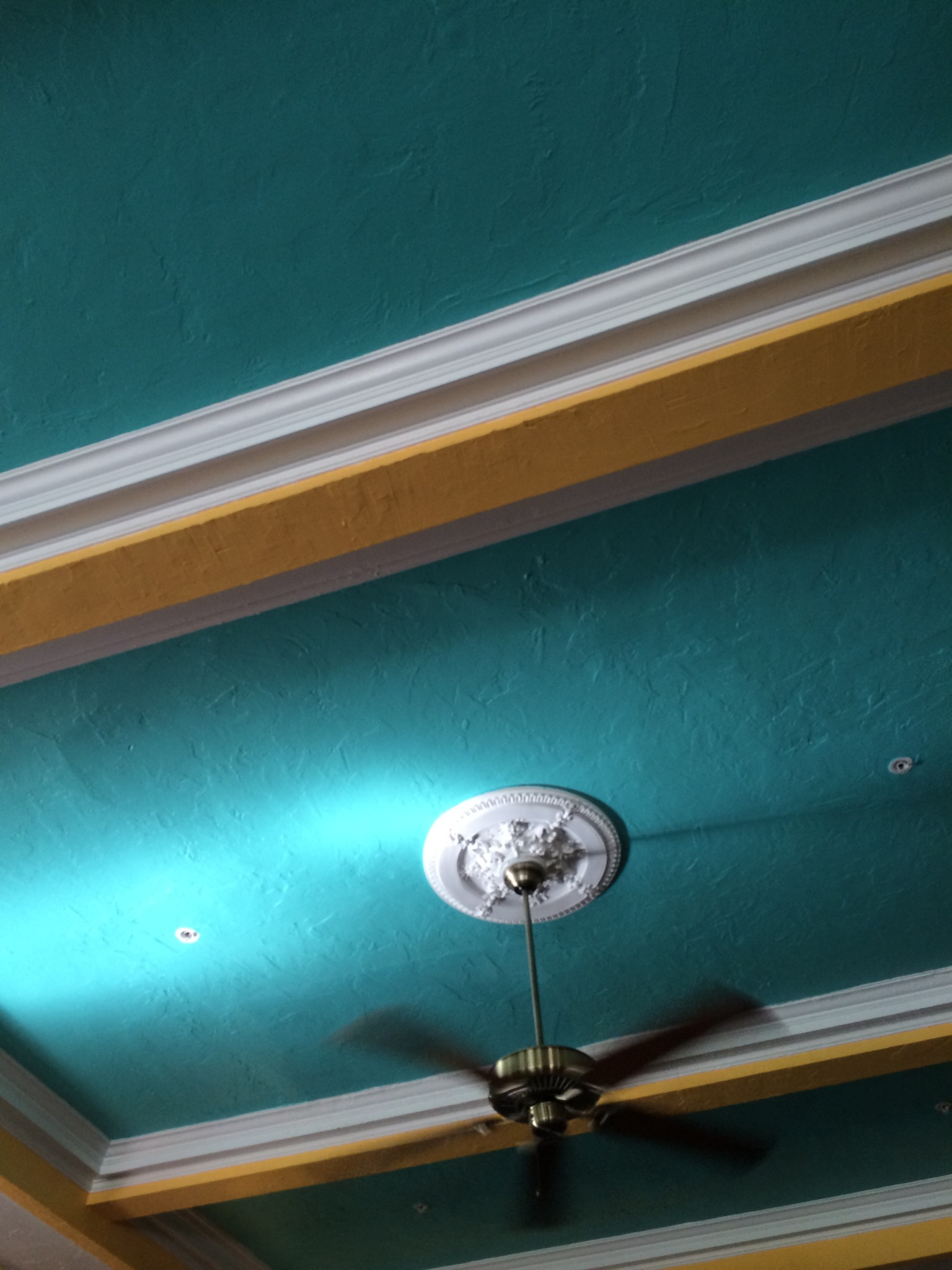 heyyy pretty teal ceiling