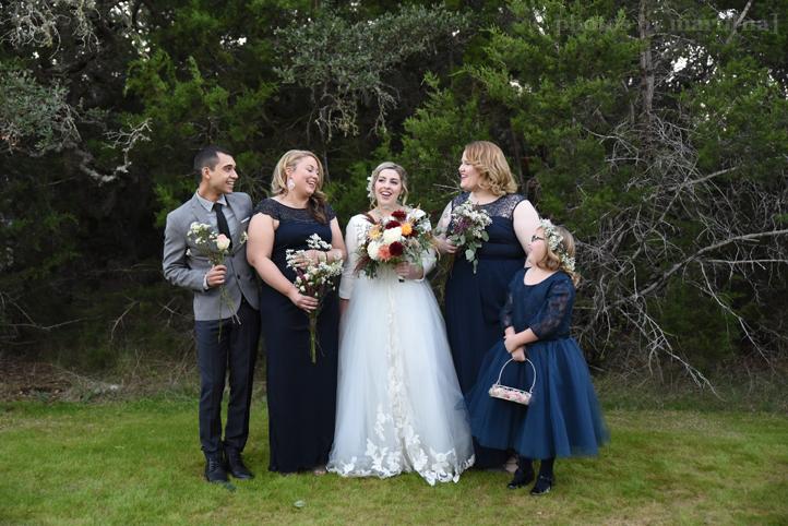 wildflower-barn-austin-wedding-photos-by-martina-16.jpg