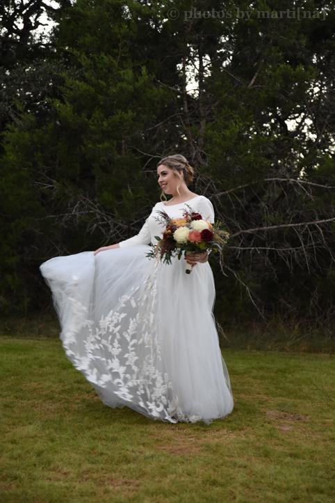 wildflower-barn-austin-wedding-photos-by-martina-19.jpg