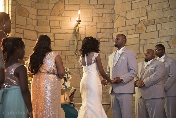 manor-wedding-photos-by-martina-villa-stClair-11.jpg