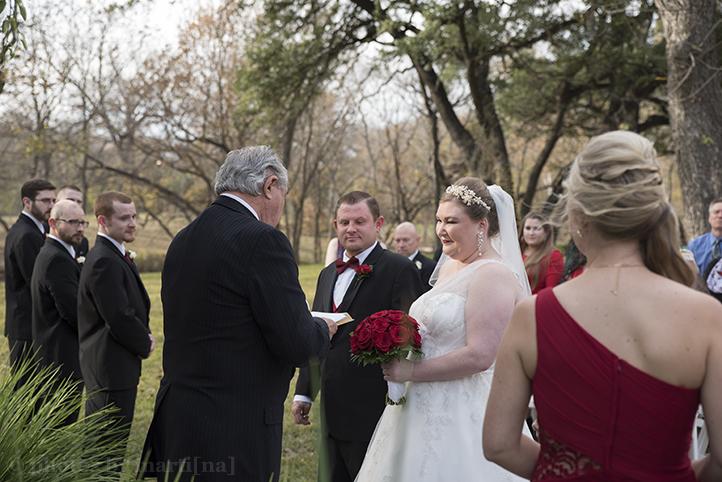 austin-wedding-photos-by-martina-chateau-on-the-creek-13.jpg