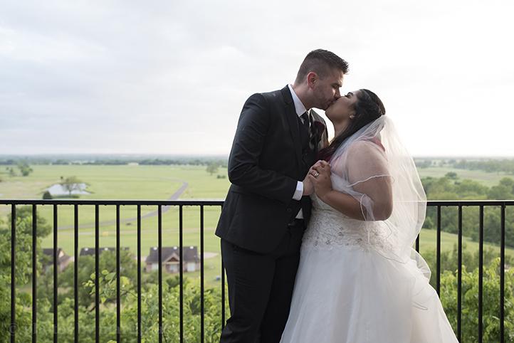bastrop-wedding-photos-by-martina-mansion-at-colovista-21.jpg