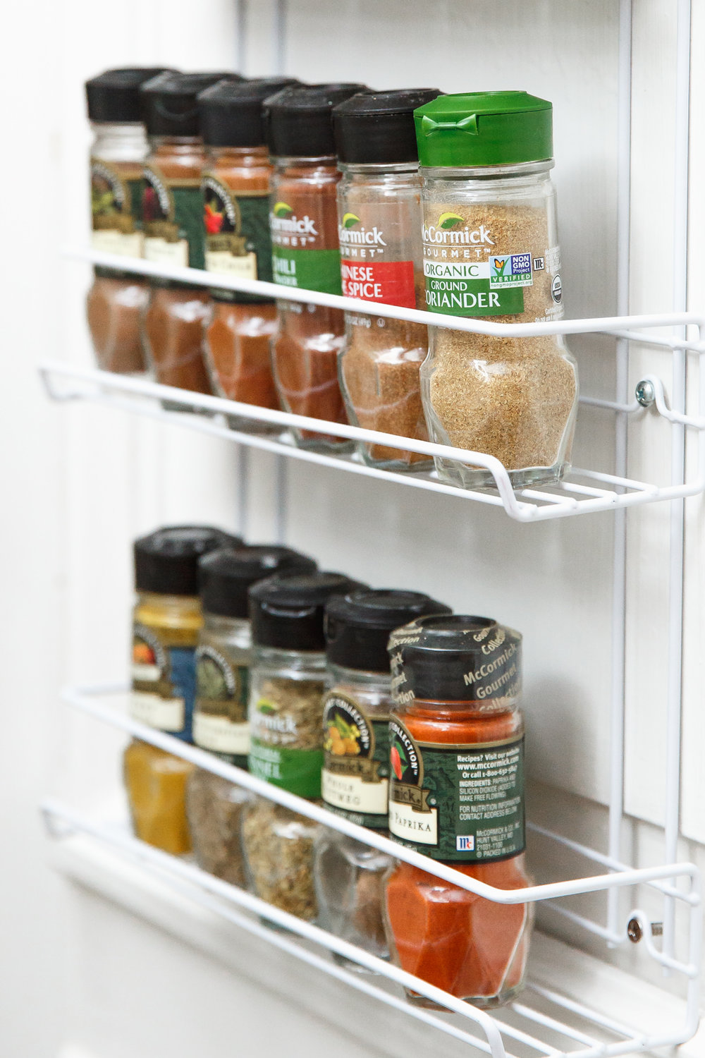 Keep spices in a single row to ensure visibility.