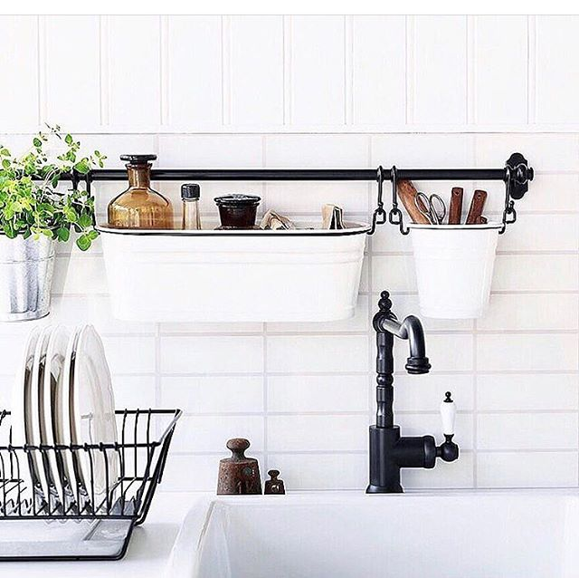 We love this IKEA kitchen storage hack posted by @tidymoose 🍴🍴🍴Wall space can be an effective (and often overlooked!) storage space.