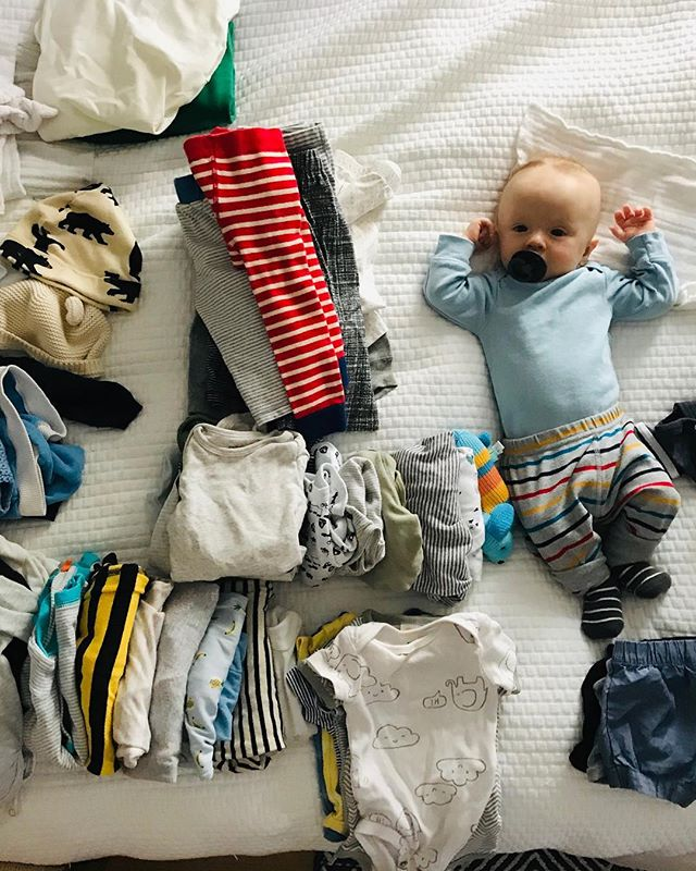 When you're trying to snooze but your mom decides it's time to superfine your mini wardrobe 👼🏻
