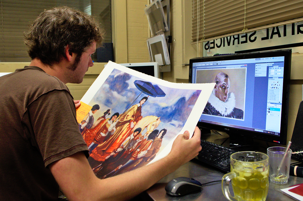 Modern Multiples Editions adapted to the rise in digital technologies. It offers all the digital techniques and tools available to printmaking artists today. Here, Tony Clough controls a giclée based print.