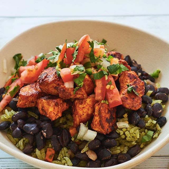 Have you tried our Rice Bowl? Poblano Rice with stewed black beans and fresh pico de Gallo served with a protein of your choice. 😍