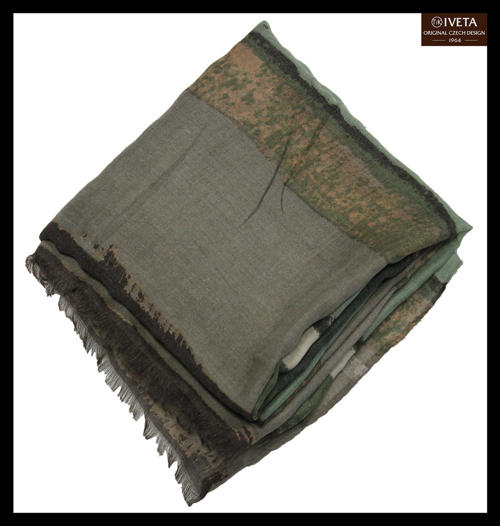 Grey-lightgreen-brown-scarf-zoom.jpg
