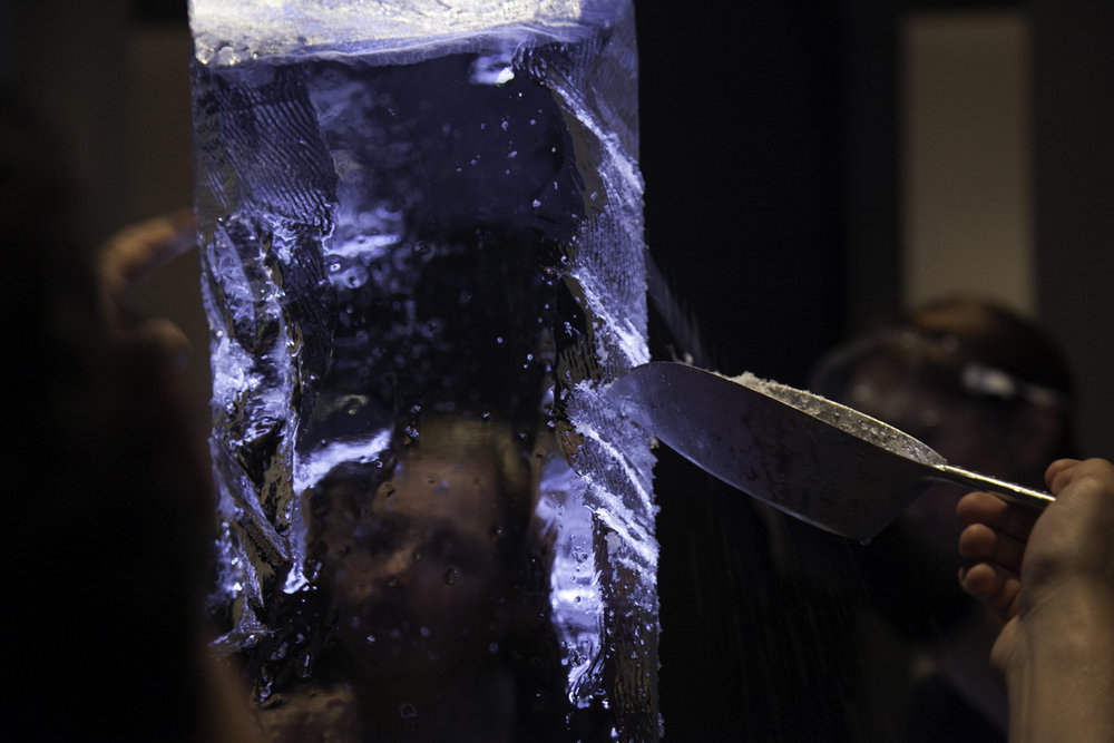 Jacopo-Sarzi_Ice-Sculpting-Workshop_Photos-Amandine-Alessandra_Design-Marketo-23.jpg