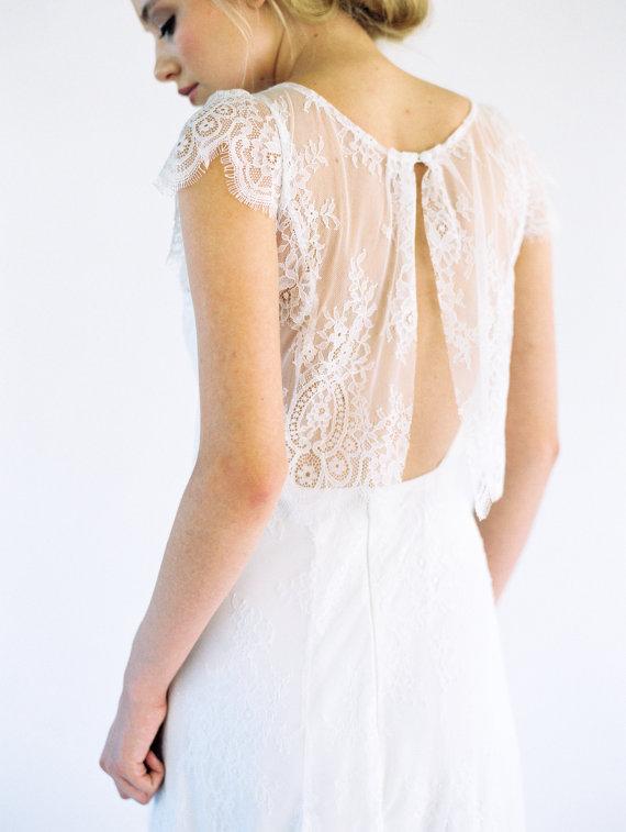 Robe de mariée Juliette soie et dentelle de chantilly 2038,85€